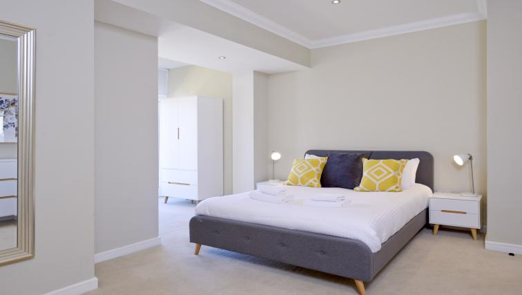 Cosy bed at Thistle Street Apartments - Citybase Apartments