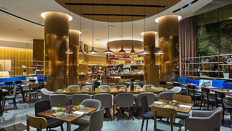 Restaurant at La Residenza Waterfront Apartments, Singapore - Citybase Apartments