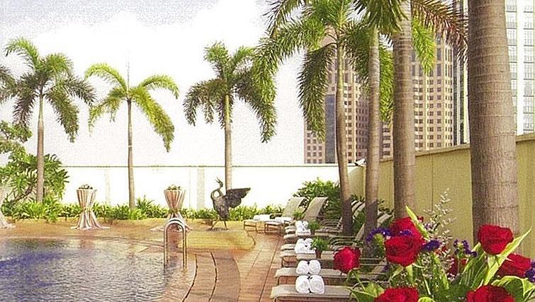 Pool at La Residenza Waterfront Apartments, Singapore - Citybase Apartments