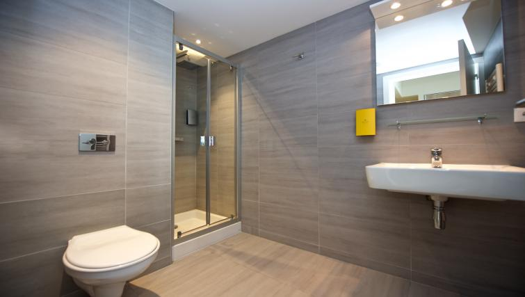 Bathroom at Staycity Lyon Rue Garibaldi - Citybase Apartments