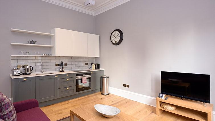 Open plan kitchen at Distillers House - Citybase Apartments