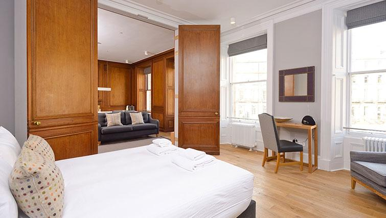Large bedroom at Distillers House - Citybase Apartments