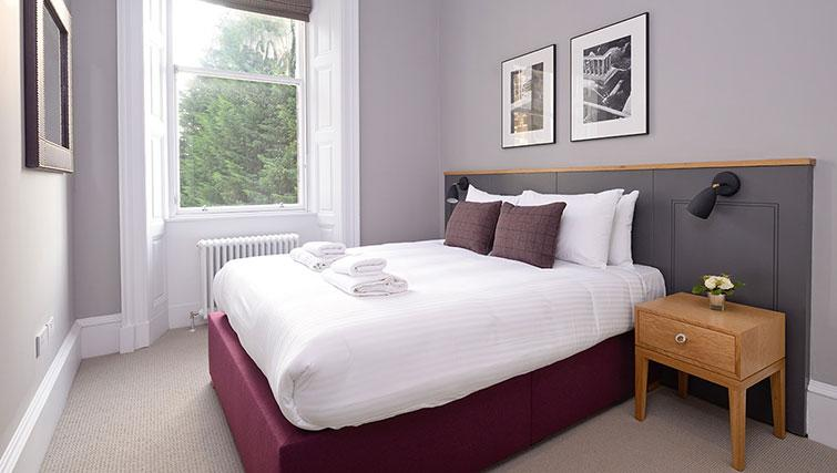 Double bed at Distillers House - Citybase Apartments