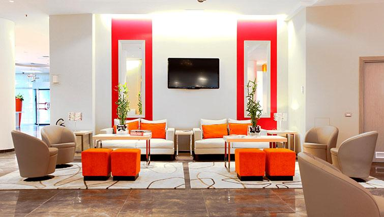 Reception at Ramada Plaza Milano - The Residence - Citybase Apartments