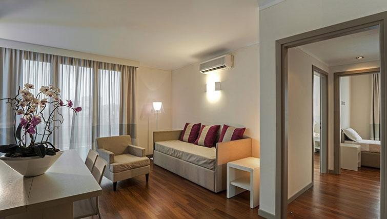 Living area at Ramada Plaza Milano - The Residence - Citybase Apartments