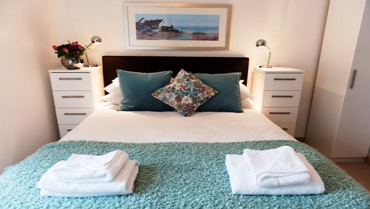 Bedroom at Flamsteed Close Apartments - Citybase Apartments