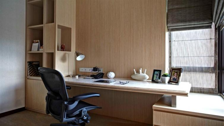 Work desk at Great World Serviced Apartments, Singapore - Citybase Apartments