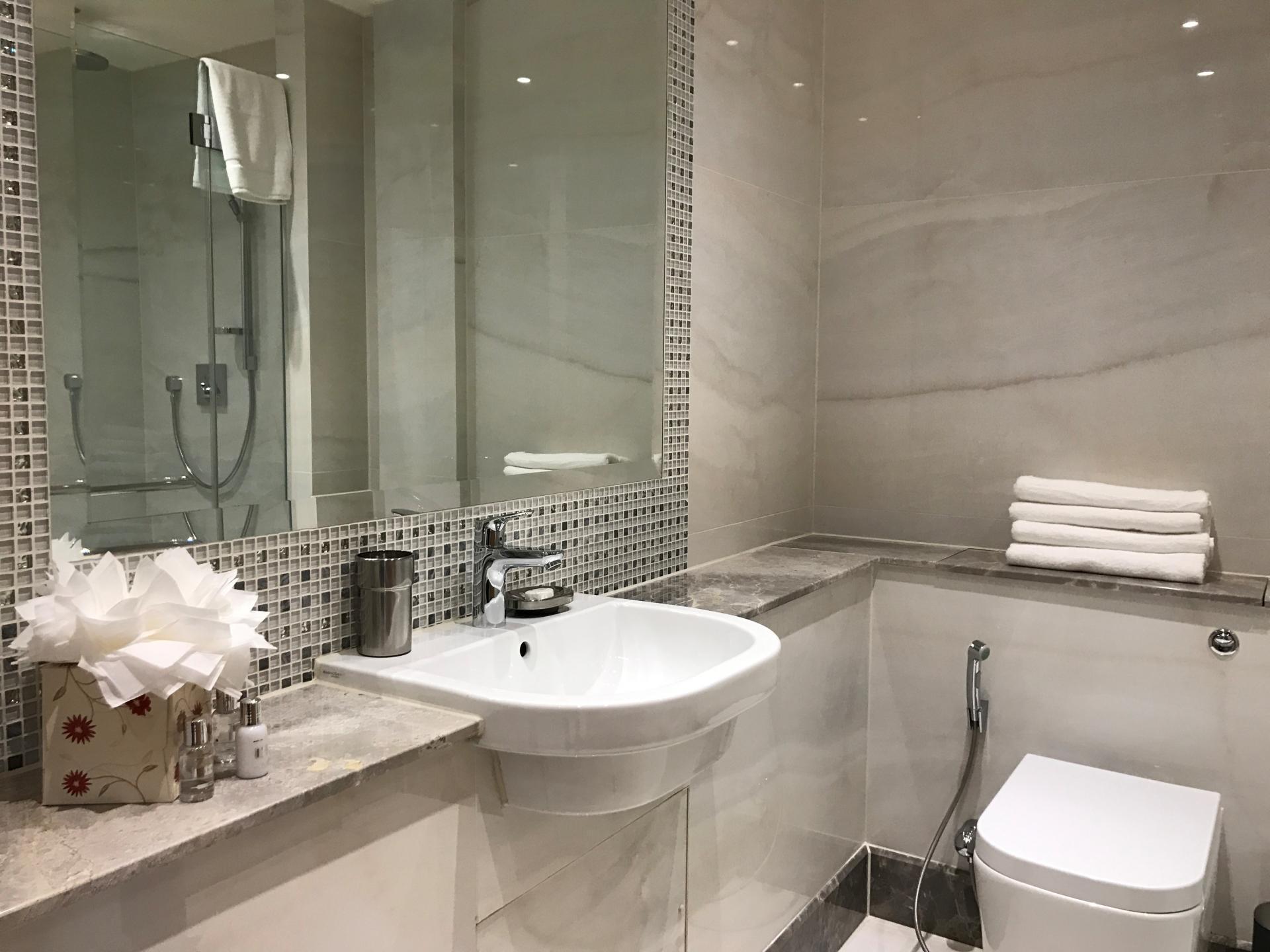 Modern bathroom at Sanctum Belsize Apartments - Citybase Apartments
