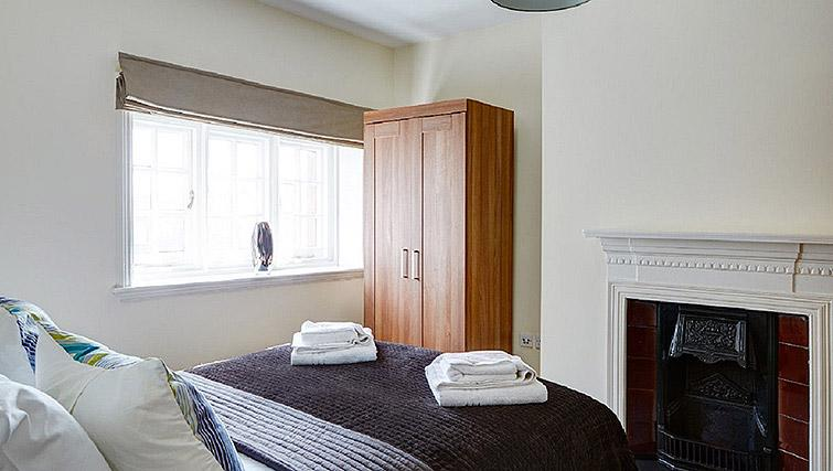 Bed at Charing Cross by Q Apartments - Citybase Apartments