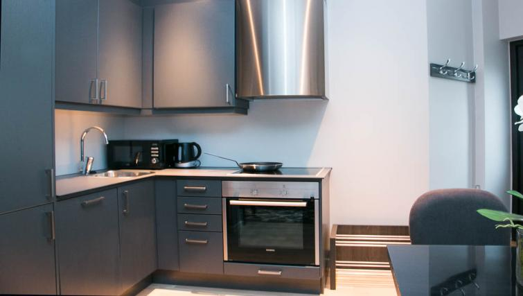 Equipped kitchen at Odinsgate 10 Apartment - Citybase Apartments