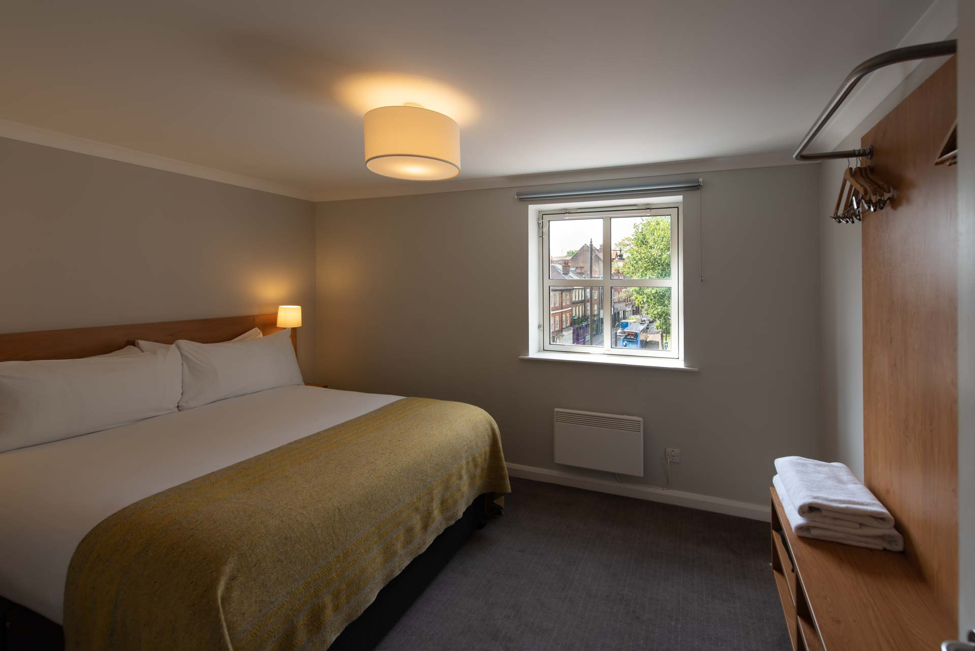 Double bedroom at Premier Suites Reading - Citybase Apartments