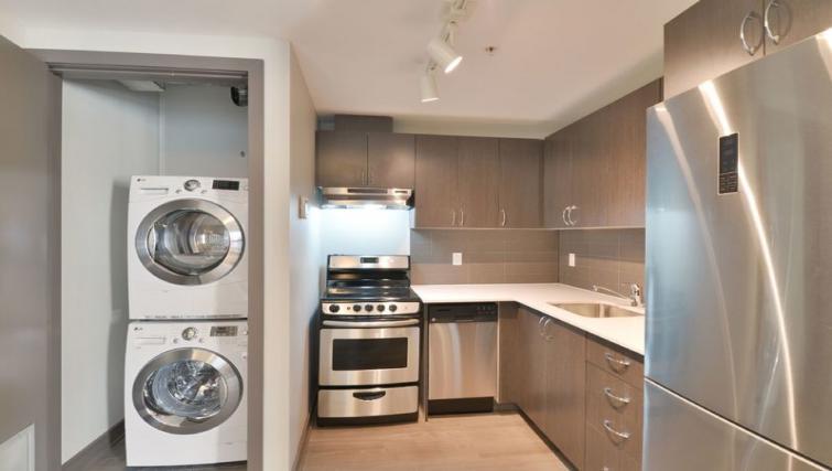 Kitchen at 169 Lisgar Apartments - Citybase Apartments