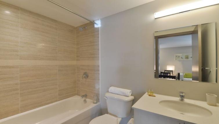 Bathroom at 169 Lisgar Apartments - Citybase Apartments