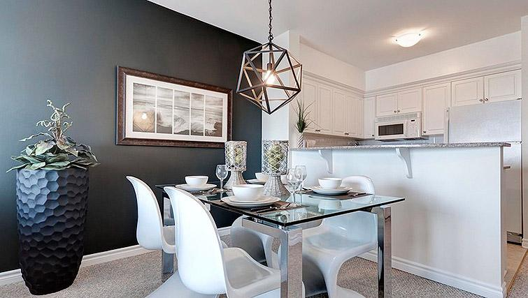 Dining space at Laurier East Apartments - Citybase Apartments