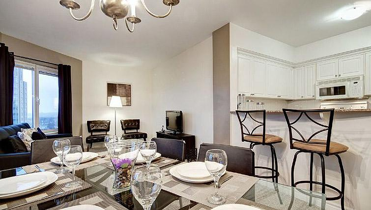 Dining table at Laurier East Apartments - Citybase Apartments