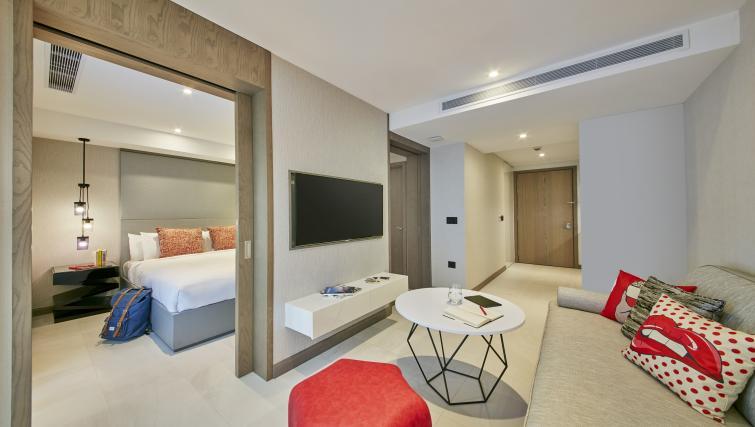 Living room at Oakwood Studios Singapore - Citybase Apartments