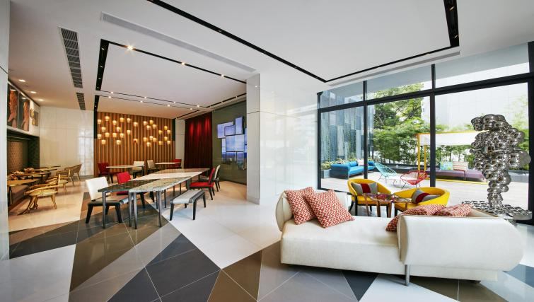 Lounge at Oakwood Studios Singapore - Citybase Apartments