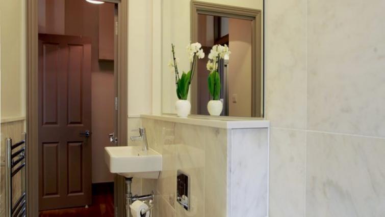 Modern bathroom at Fitzrovia Cleveland Apartments - Citybase Apartments