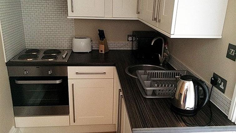Kitchen facilities at Alum Chine Beach House - Citybase Apartments
