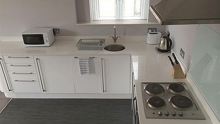 Kitchen at Alum Chine Beach House - Citybase Apartments