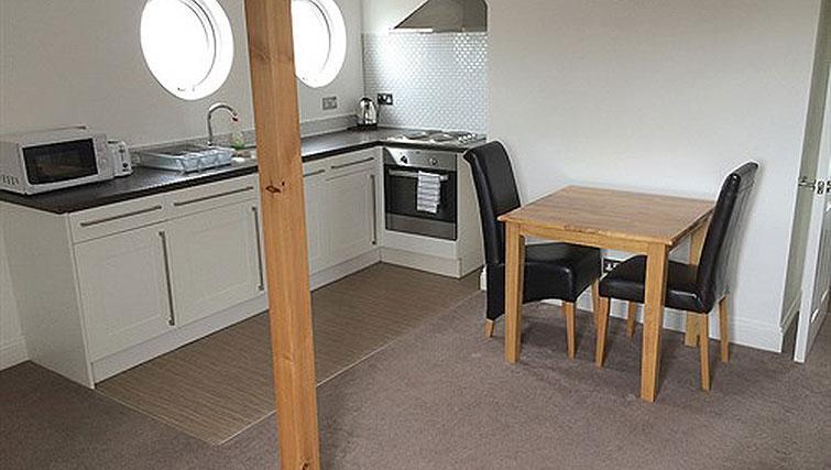 Open plan kitchen at Alum Chine Beach House - Citybase Apartments