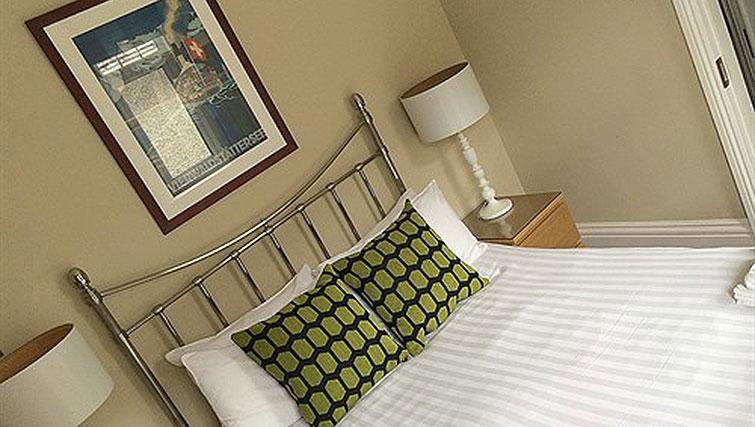 Double bedroom at Alum Chine Beach House - Citybase Apartments