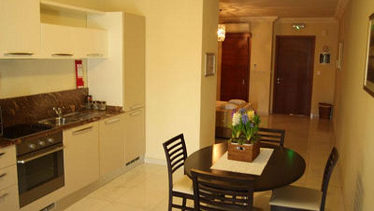 Kitchen at Onyx Suites & Apartments - Citybase Apartments