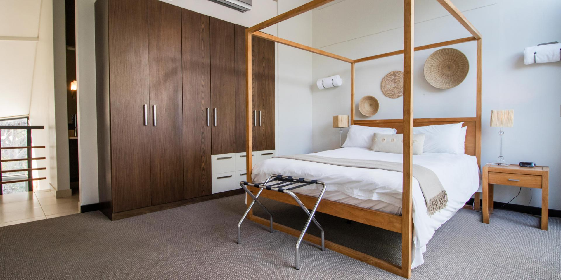 Double bed at The Glen Apartments - Citybase Apartments
