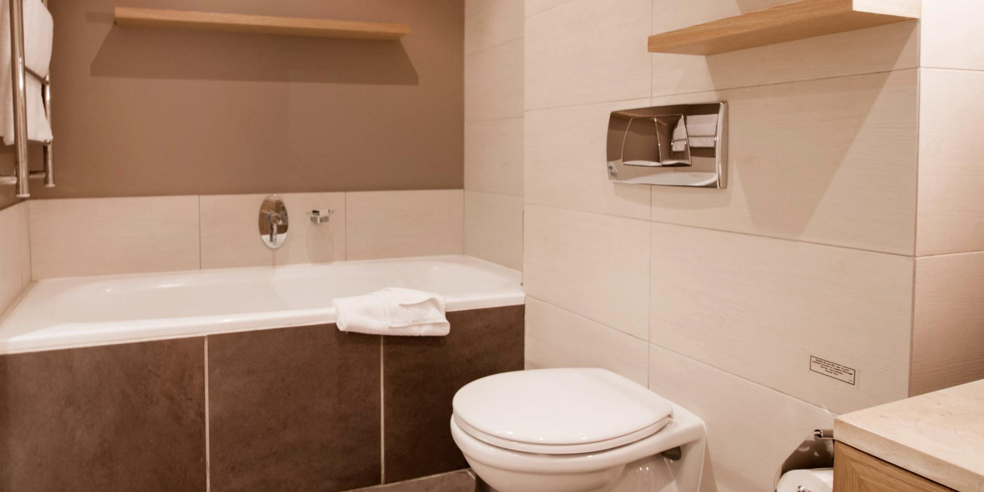 Toilet at The Glen Apartments - Citybase Apartments