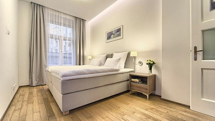 Double bed at Krizovnicka Residence - Citybase Apartments