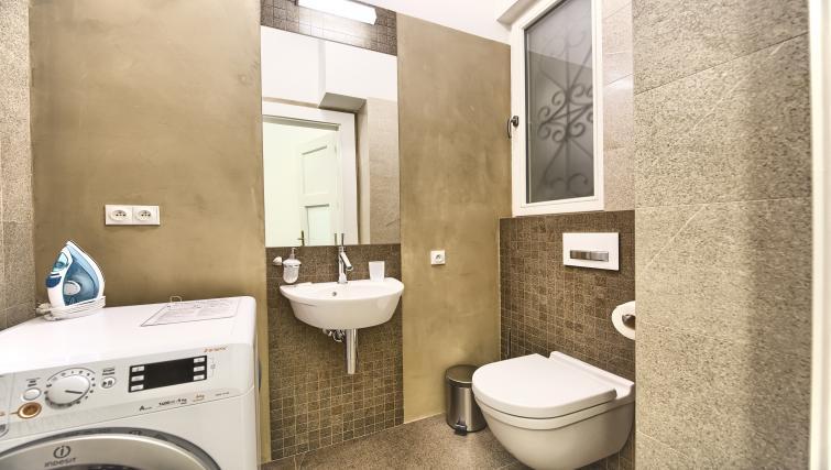 WC at Krizovnicka Residence - Citybase Apartments