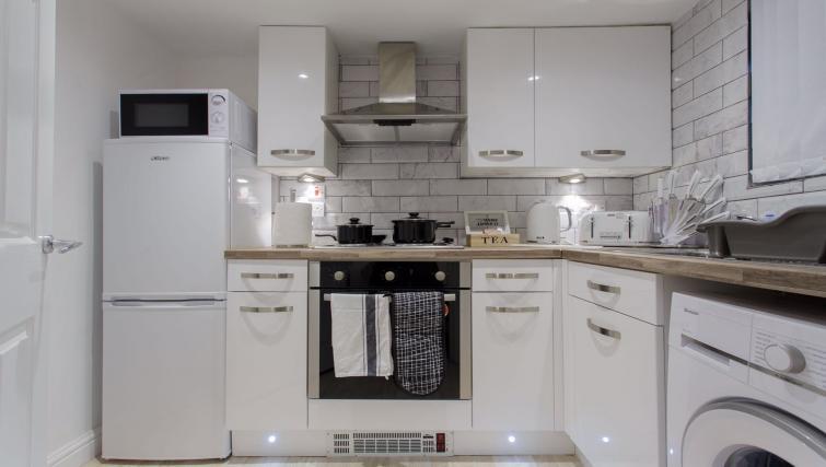 Kitchen at Shaftesbury Apartment - Citybase Apartments