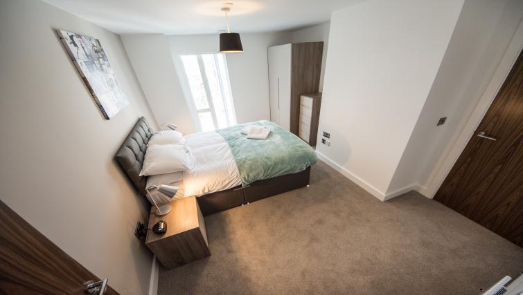 Bedroom at Cambridge Street Apartments - Citybase Apartments