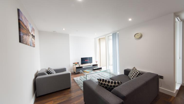 Living area at Cambridge Street Apartments - Citybase Apartments