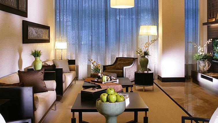 Stylish living area at Orchard Scotts Residences, Singapore - Citybase Apartments