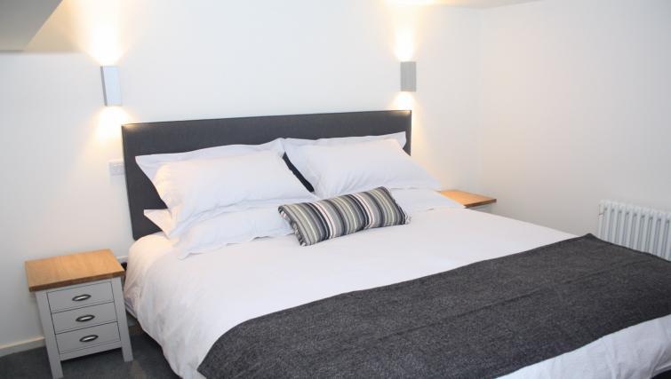Bed at Broughton Street Lofts - Citybase Apartments
