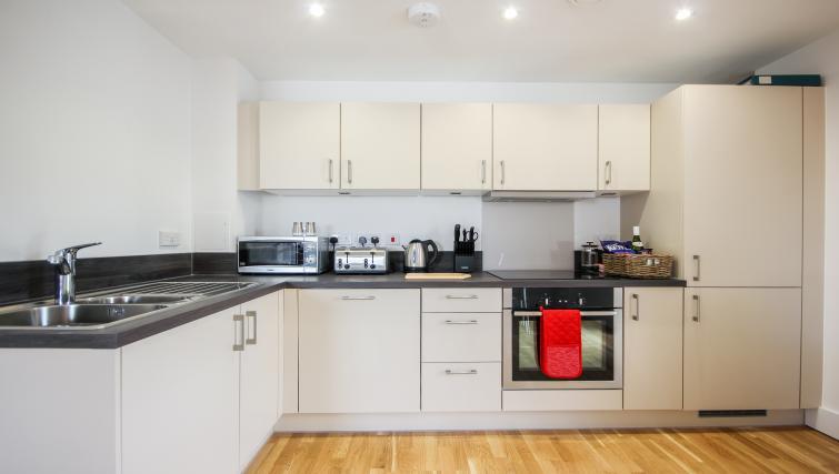 Modern kitchen at The Bridge Apartments - Citybase Apartments