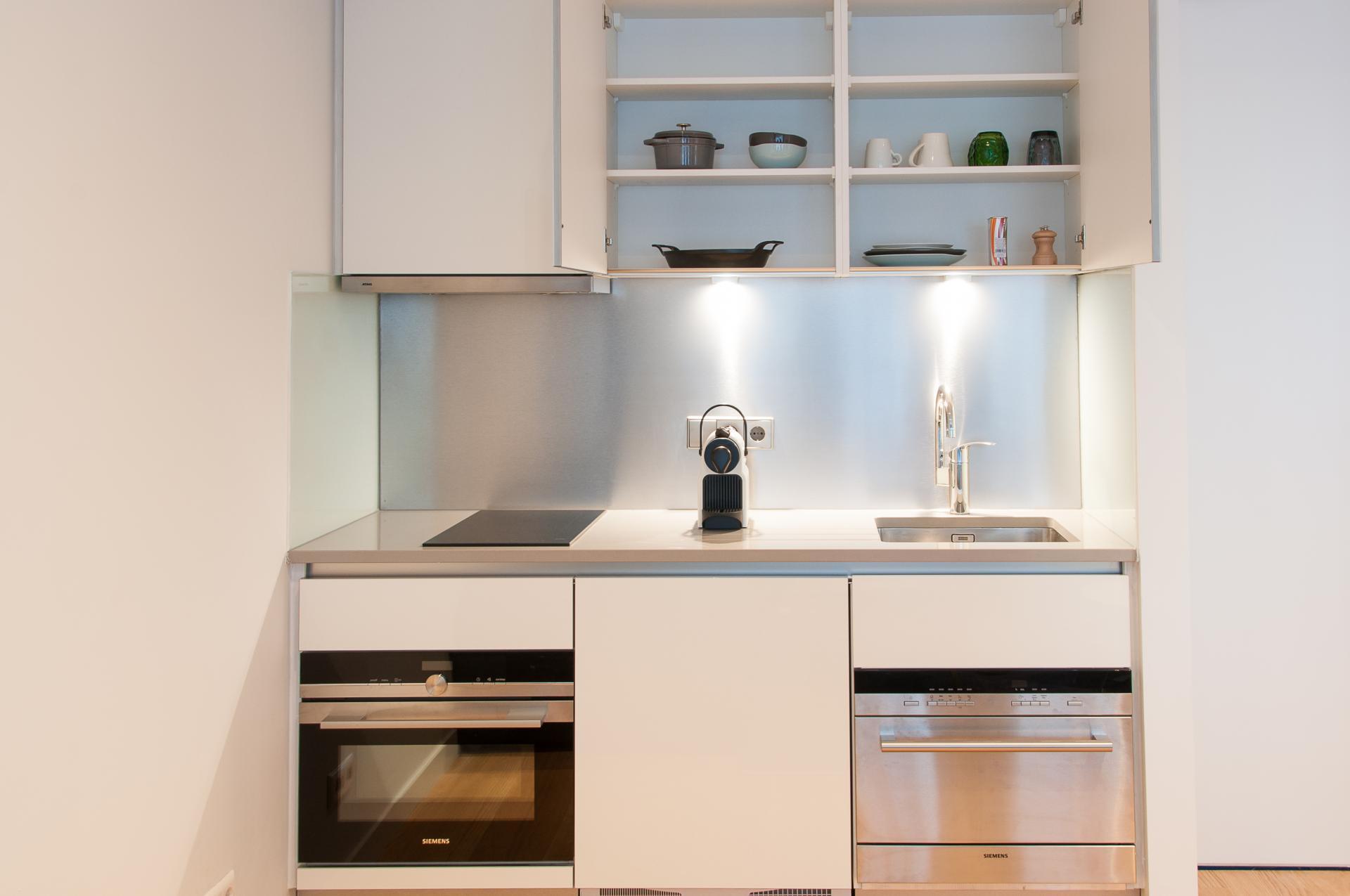 Kitchen at Premier Suites Plus Rotterdam - Citybase Apartments