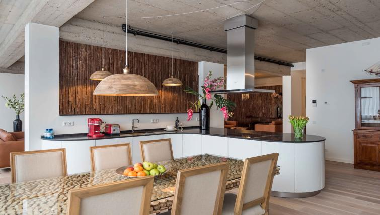 Stylish kitchen at Htel Amsterdam Buitenveldert - Citybase Apartments