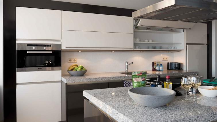 Kitchen at Htel Amsterdam Buitenveldert - Citybase Apartments