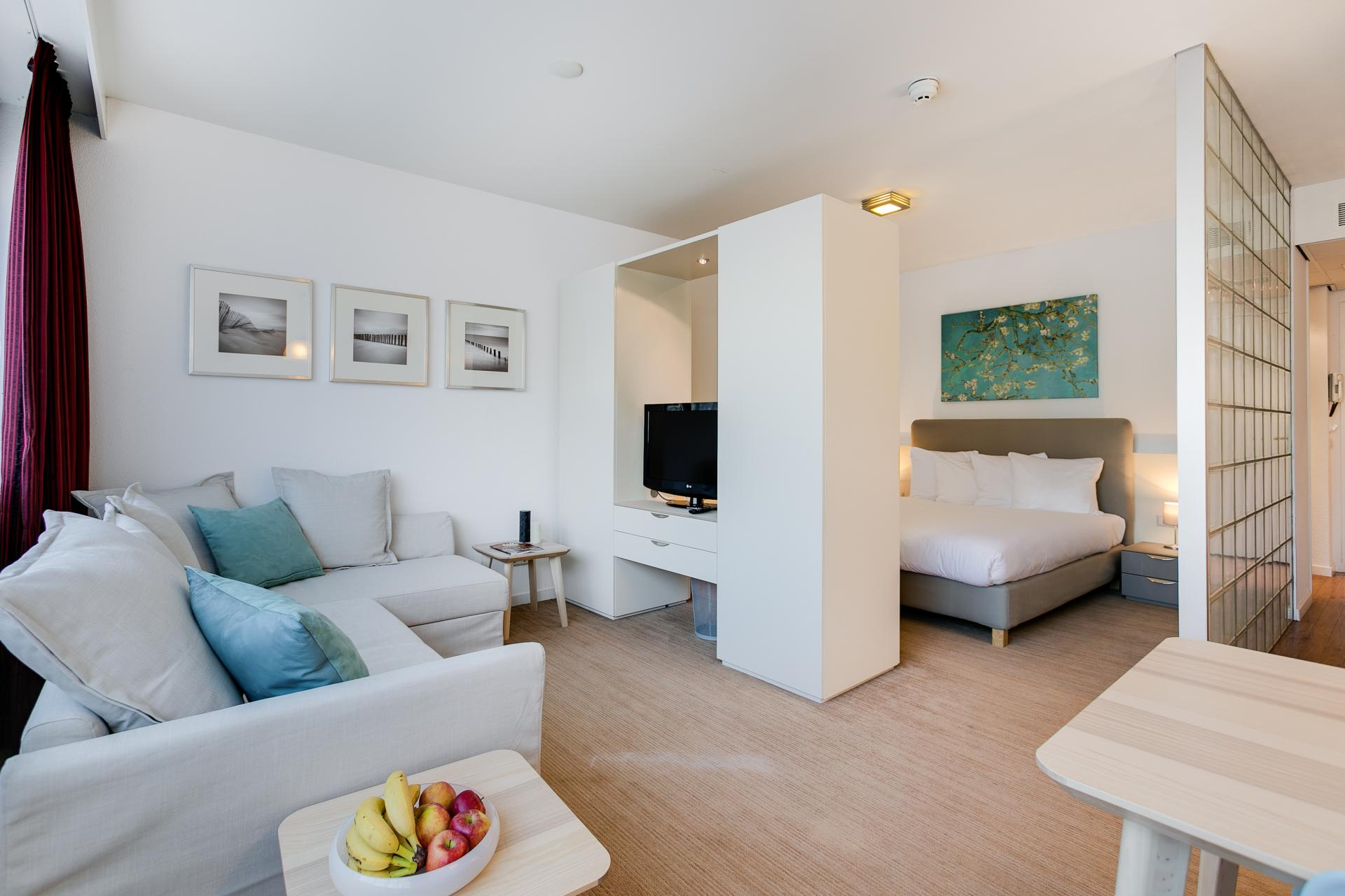 Living room at Htel Amstelveen, Amsterdam - Citybase Apartments