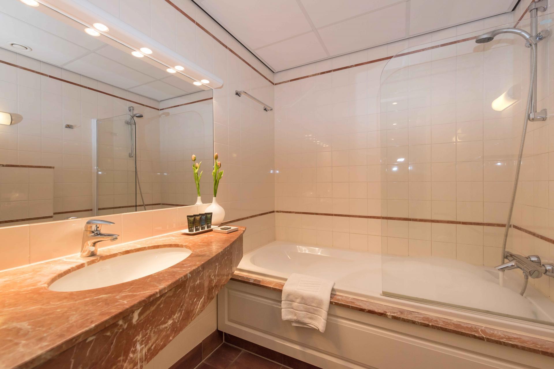 Bathroom at Htel Amstelveen, Amsterdam - Citybase Apartments