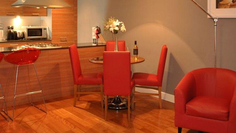 Expansive kitchen in Ingram Apartments - Citybase Apartments