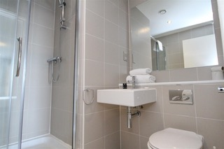 Shower at Ingram Apartments, Merchant City, Glasgow - Citybase Apartments