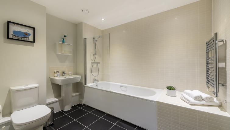 Bathroom at Flying Butler Colindale Apartments - Citybase Apartments