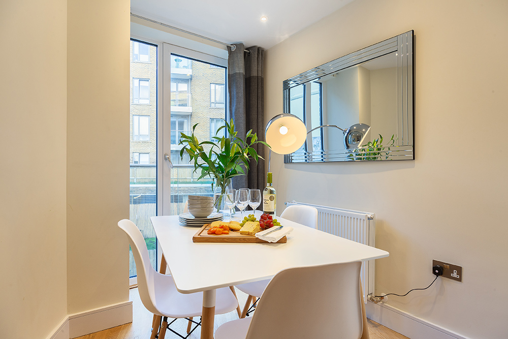 Dining table at Canary Gateway - Citybase Apartments
