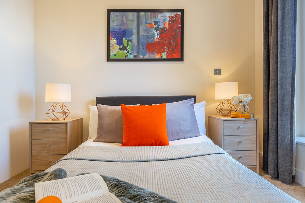Stylish bedroom at Canary Gateway - Citybase Apartments