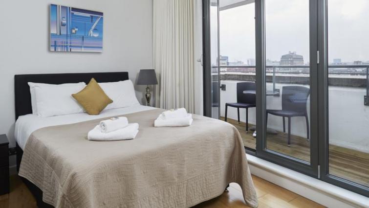 Ideal bedroom at SACO Fitzrovia - Citybase Apartments