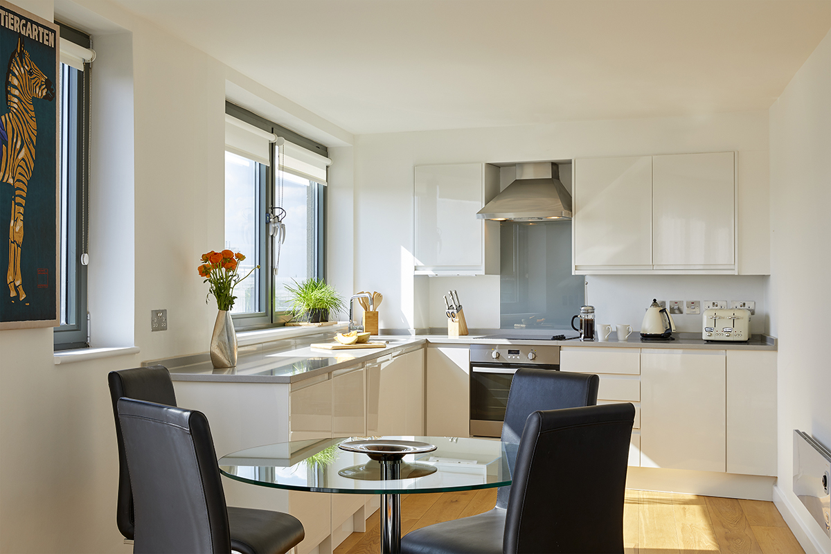 Dining table at SACO Fitzrovia - Citybase Apartments