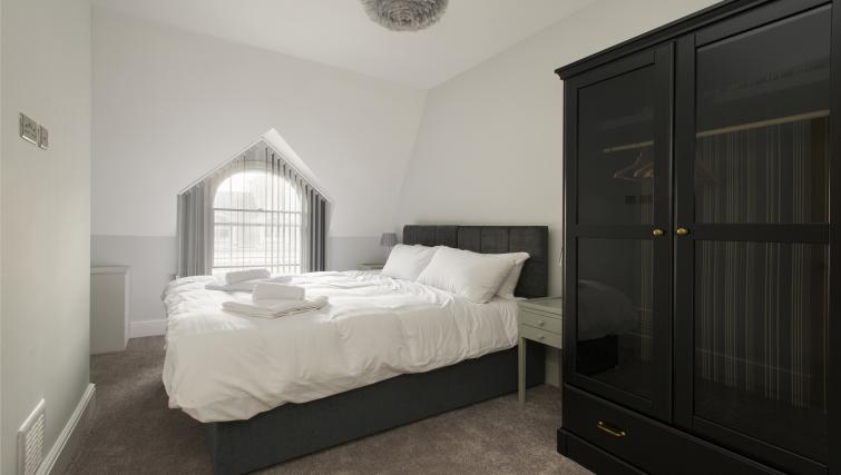Bedroom at Market Street Apartments - Citybase Apartments